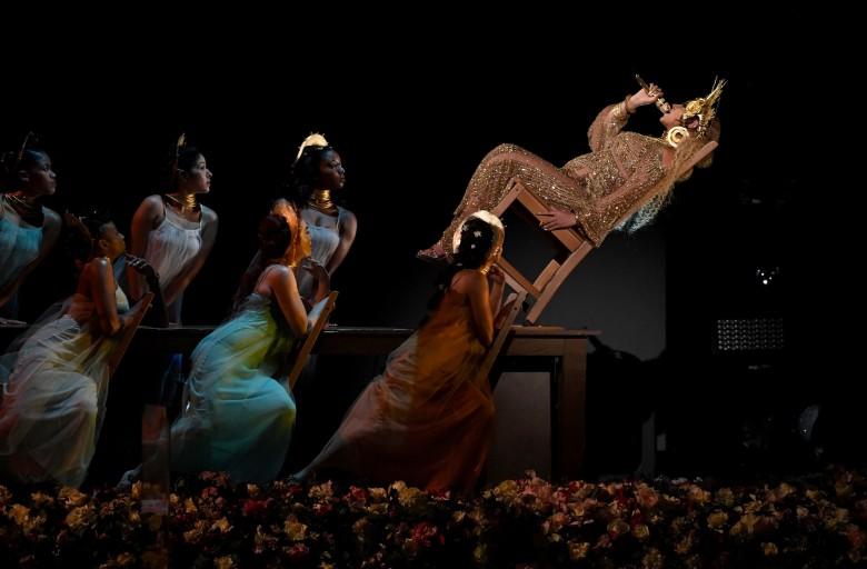la-et-beyonce-at-the-2017-grammy-awards-pictur-001.jpg
