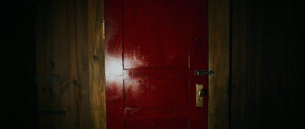 It-Comes-At-Night-Door.jpg